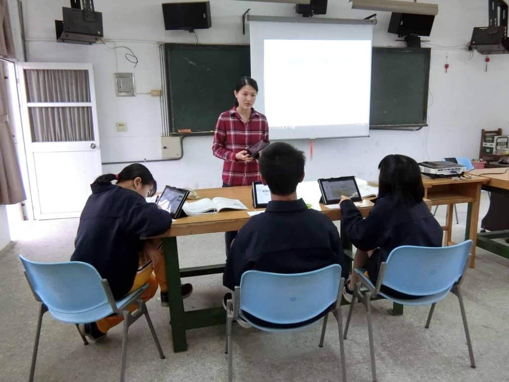苗栗文英國中的蕭心亭老師