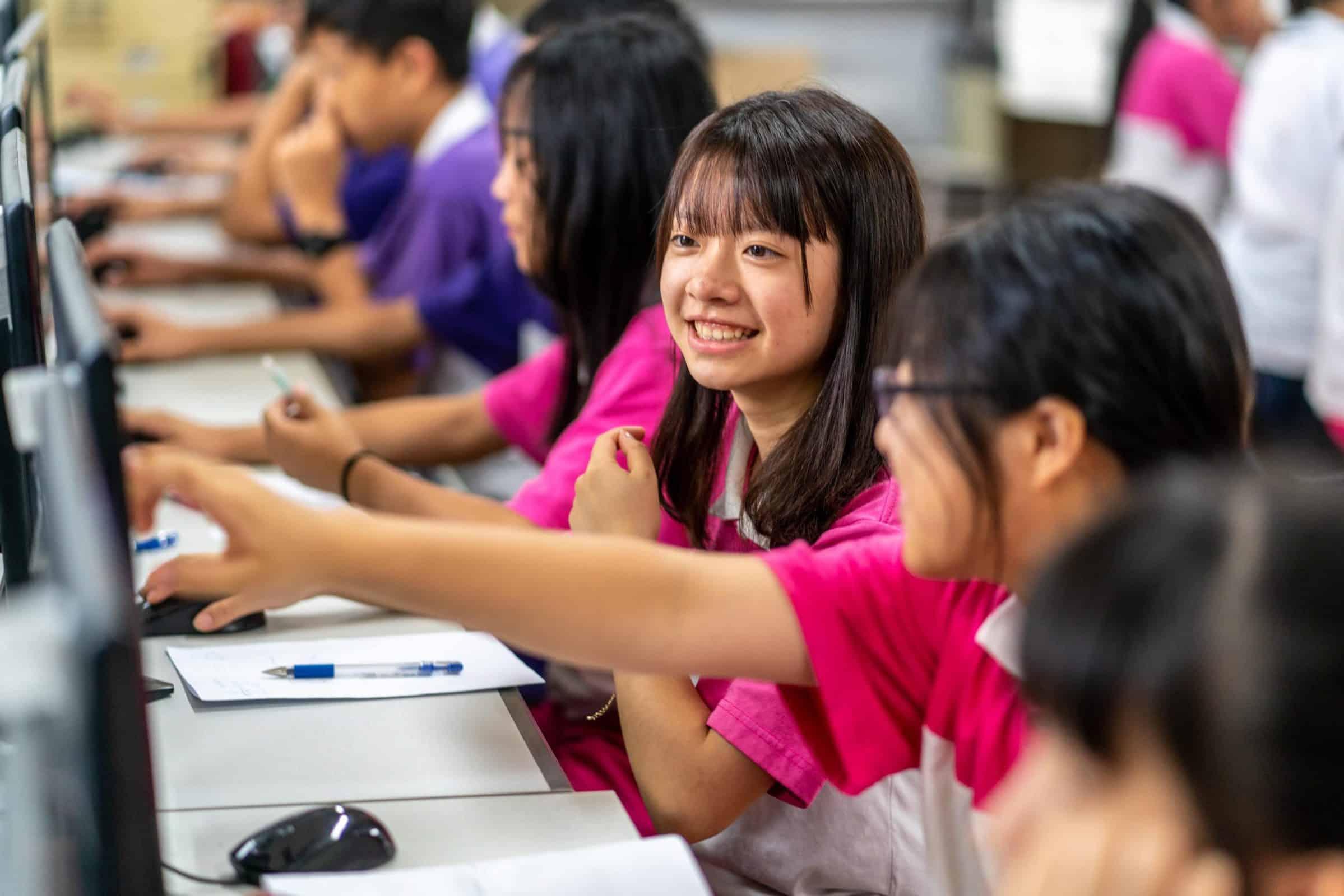孩子使用均一教育平台學習